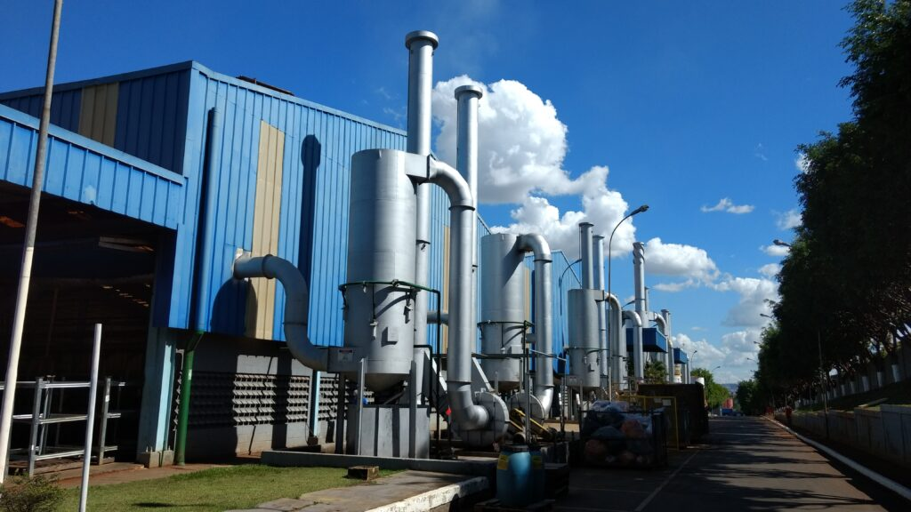 Lavadores em produção de palha de aço