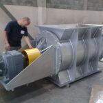 Válvula rotativa para cavacos de madeira